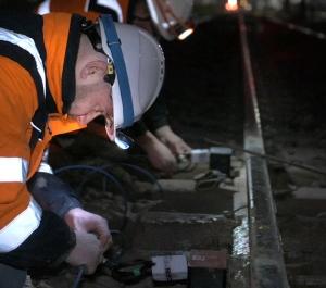 Installazione strumenti monitoraggio ferroviario